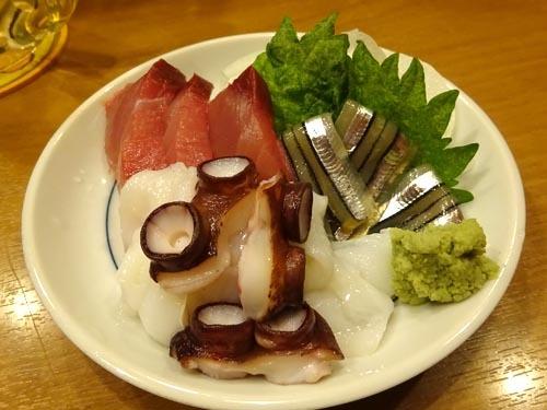 04刺身3種盛ブリキビナゴ生タコ