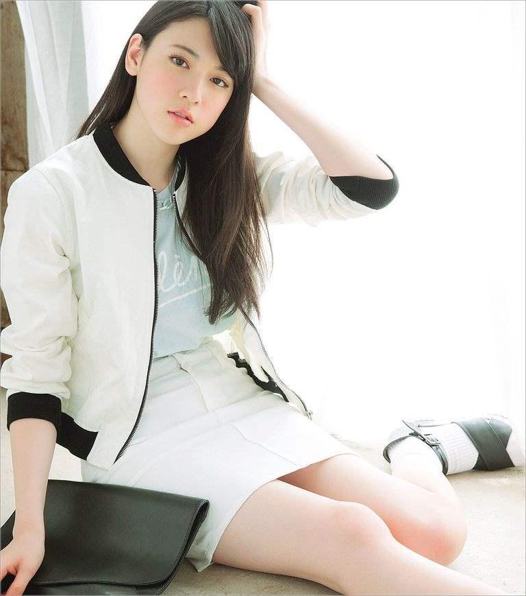 三吉彩花 (3)