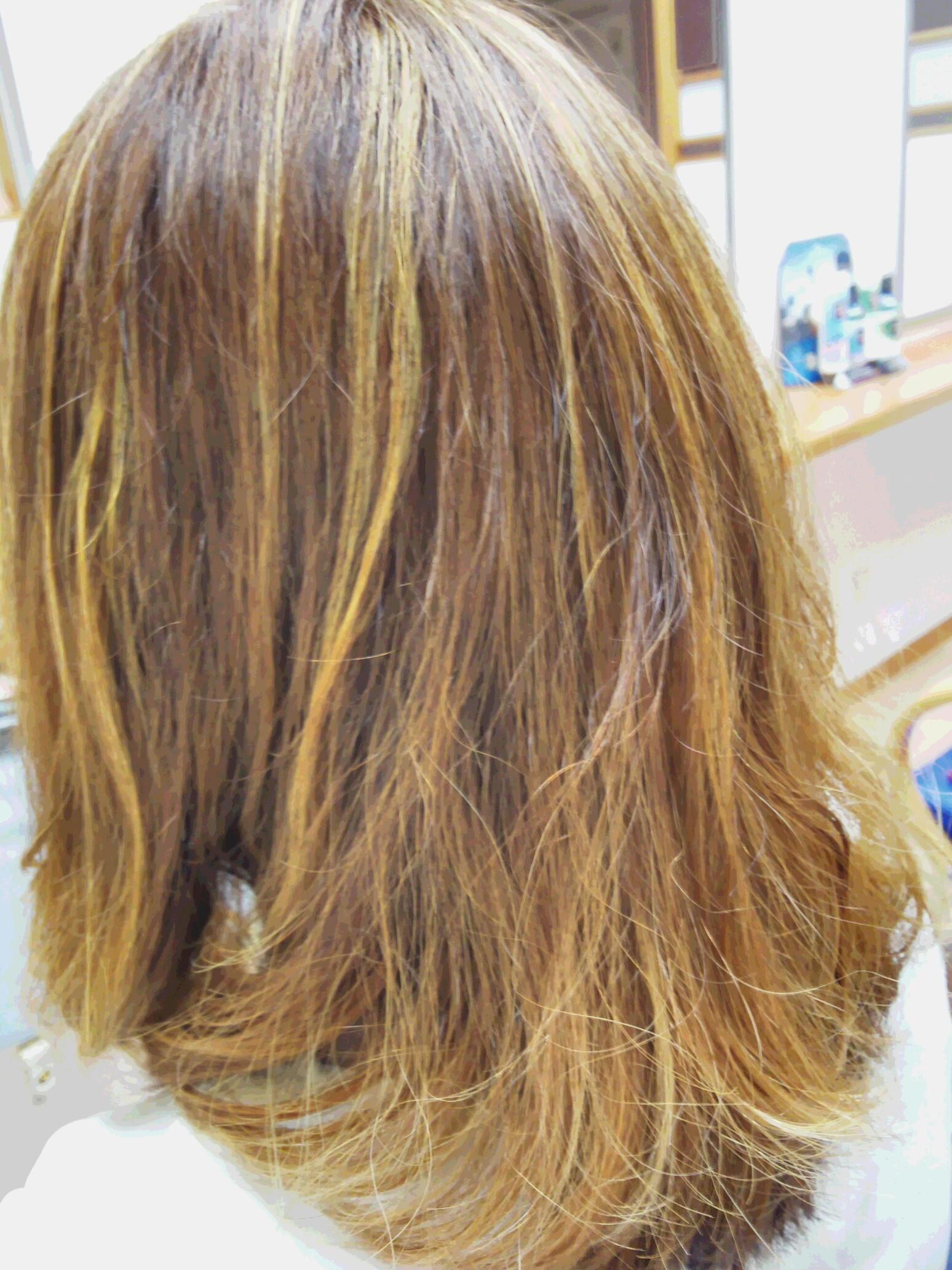髪ブリーチ