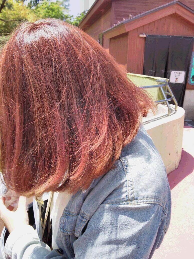 髪色ピンク