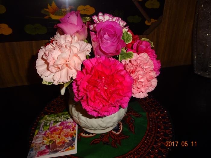 母の日のお花とカード2