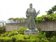 DSC08885吉田茂銅像