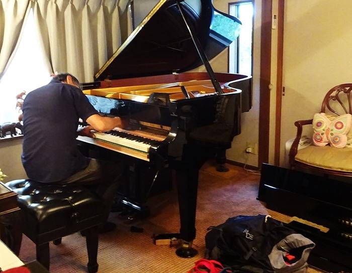 DSC09121ピアノ調律2