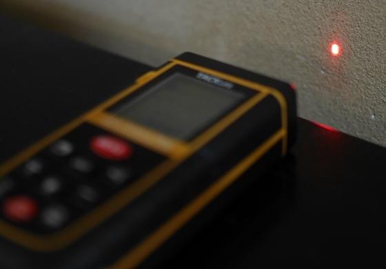 レーザー照射