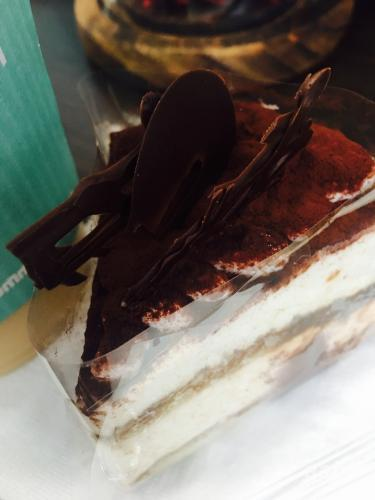 久々にケーキをいただく。