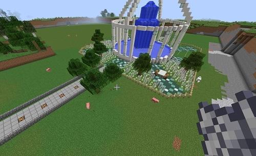 建築C噴水の周りに木を