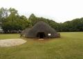 水子貝塚公園にある竪穴住居