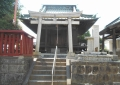 六塚稲荷神社・鳥居と拝殿