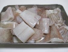 ヤリイカと絹揚げの煮物 【下準備】①
