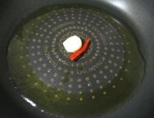 ベーコンとアスパラのトマトソースパスタ 調理②