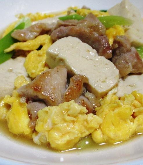 鶏もも肉と豆腐炒り卵の煮物 B