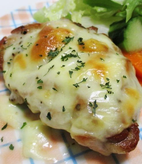 チーズ焼きチキン 拡大