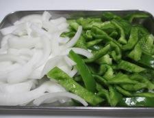 豚肉とピーマンの味噌炒め 調理②