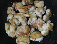 鶏もも肉とナスの炒め煮 調理③