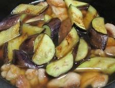 鶏もも肉とナスの炒め煮 調理⑤