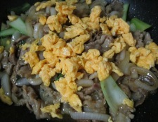 青梗菜と豚こまのピリ辛炒め 調理⑥