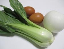 青梗菜と豚こまのピリ辛炒め 材料②
