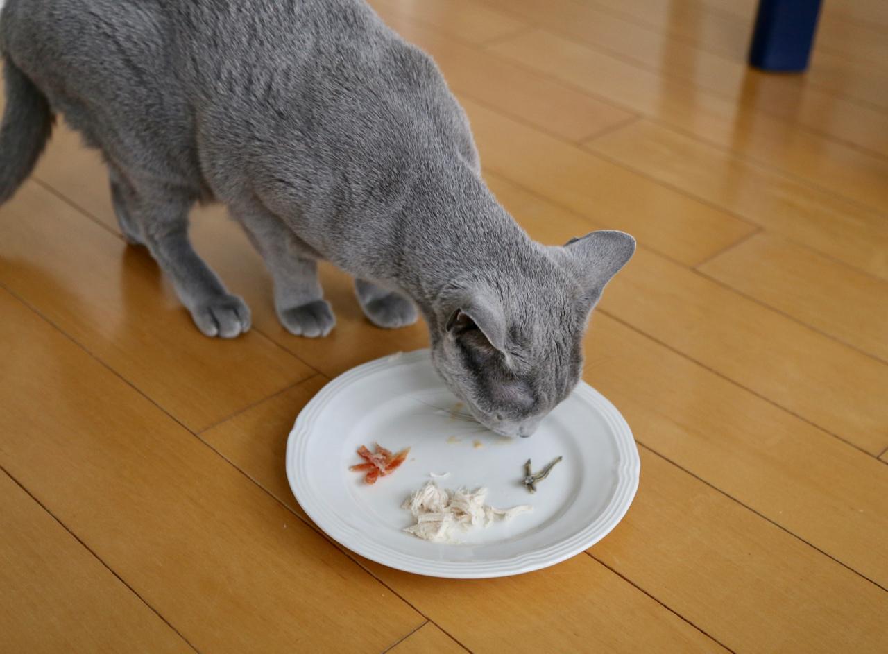エマ食べる