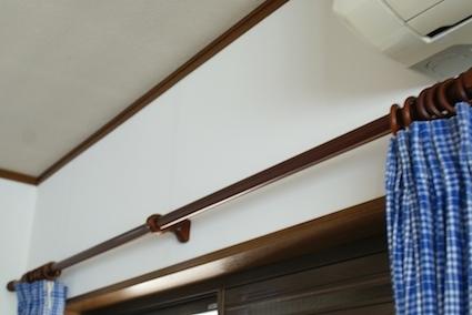 170510窓の上の壁