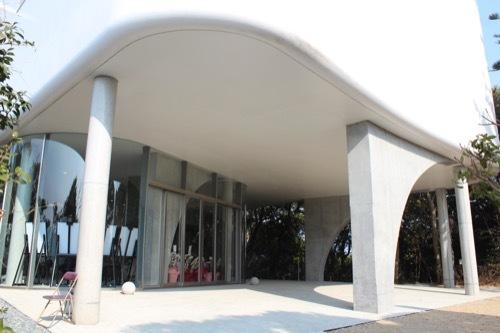 0247:南方熊楠記念館 手前広場から新館を見る③