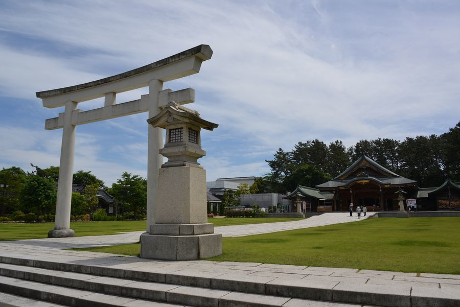 護国神社-2