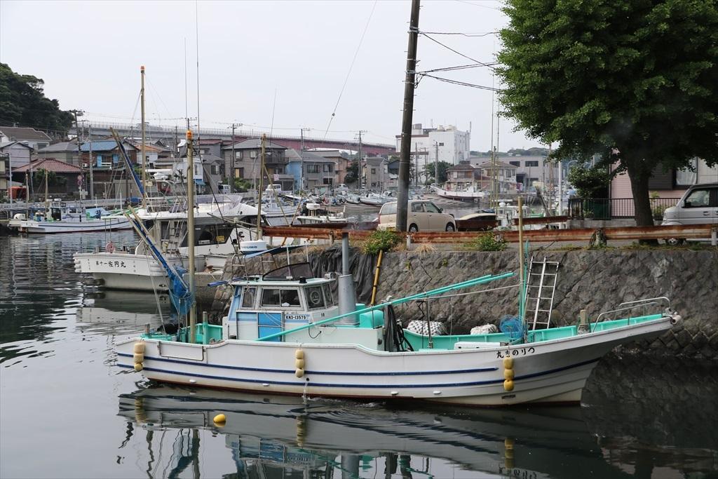 出港する漁船_2