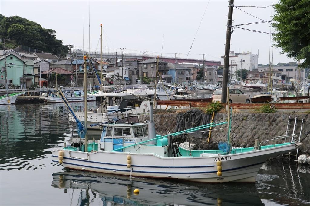 出港する漁船_3