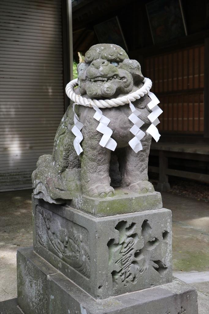 神橋後方の狛犬_2