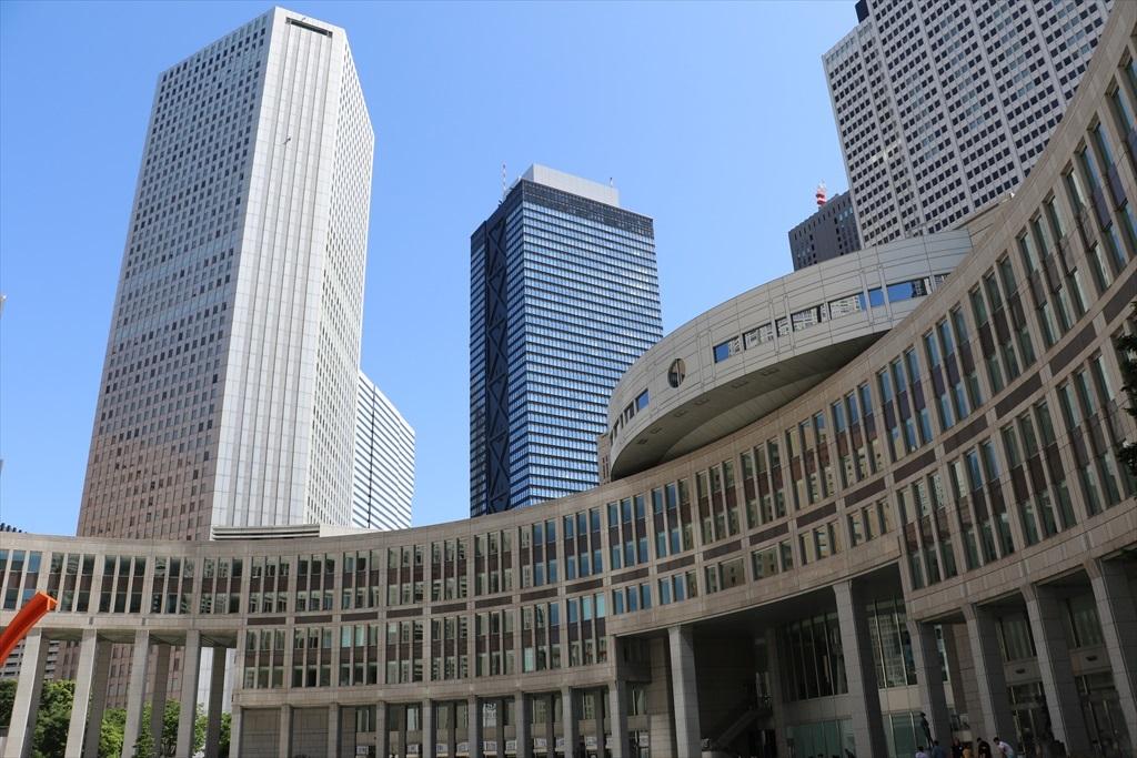 都庁の建物群_1