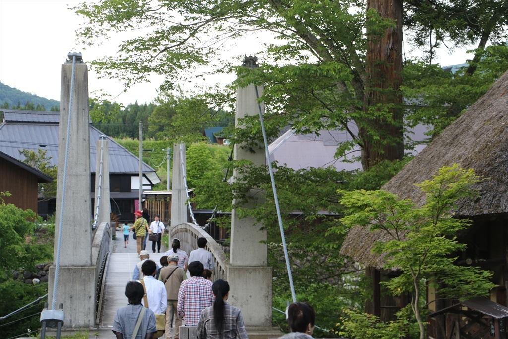 がっちりした吊り橋_1