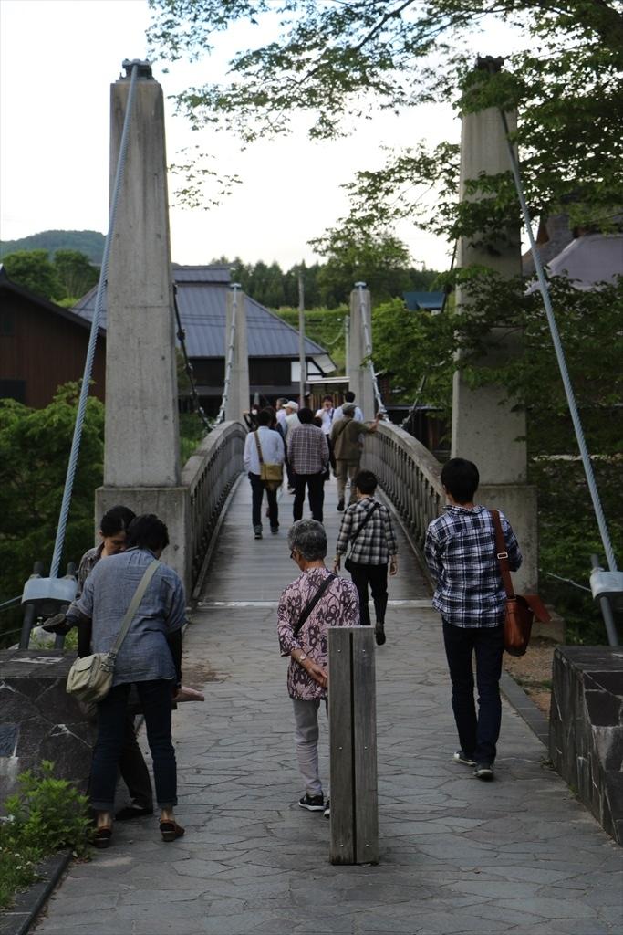 がっちりした吊り橋_3