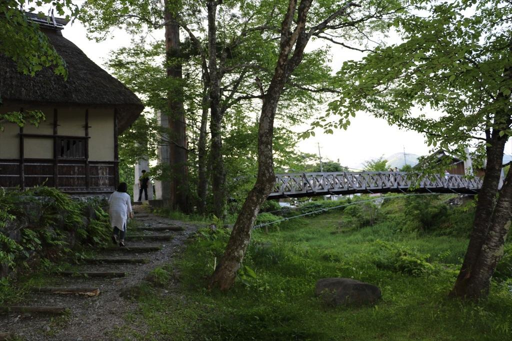 がっちりした吊り橋_5