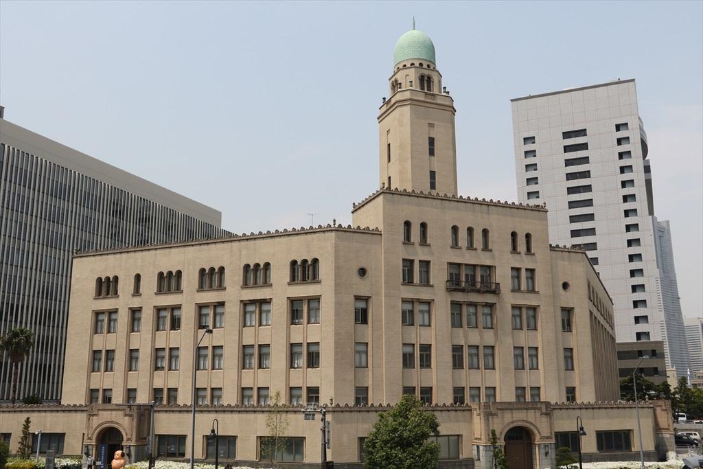こちらは横浜税関