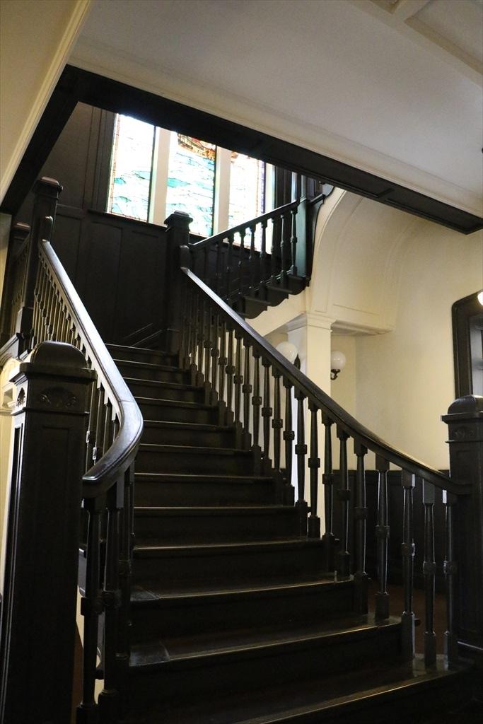 階段(奥側)_1