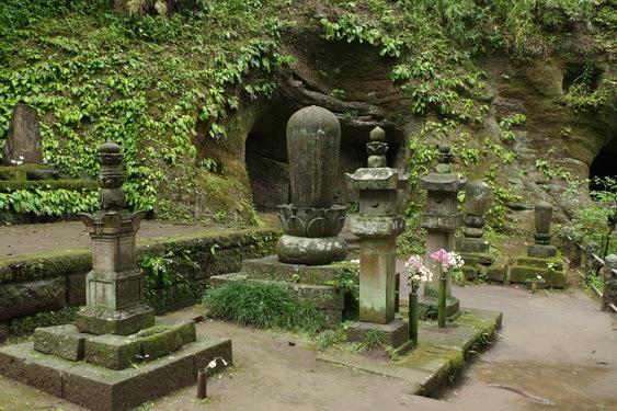 天秀尼の墓ほか