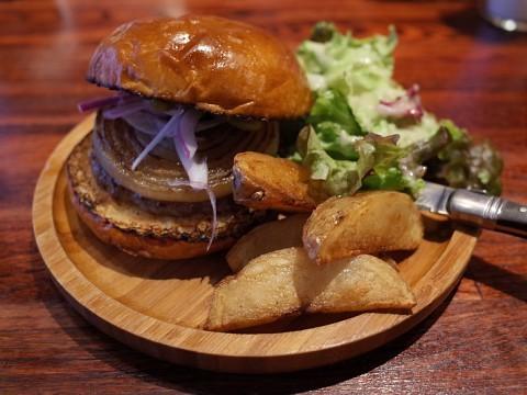 gramercyburger05.jpg