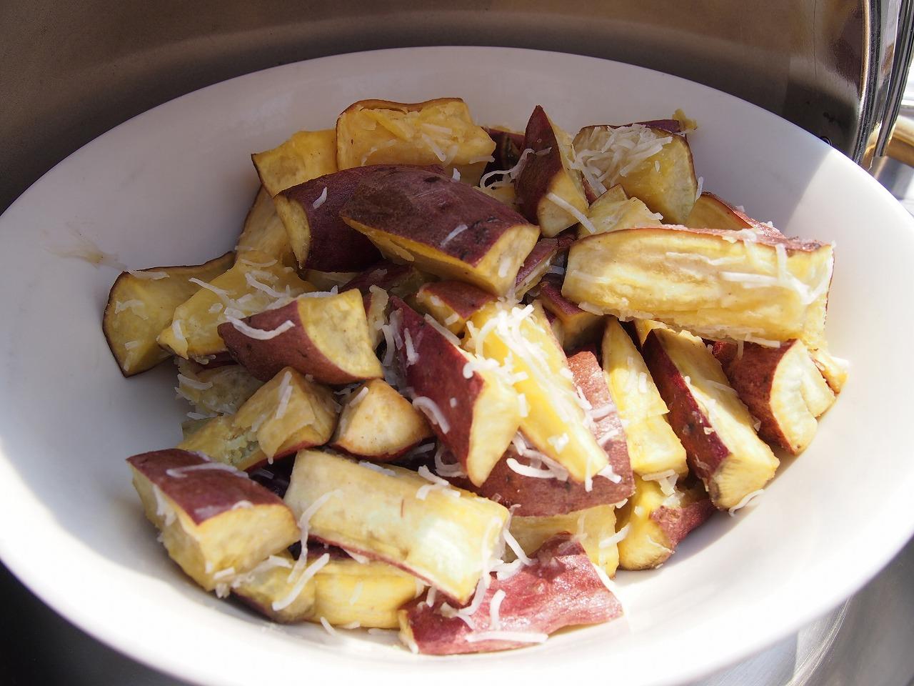 サツマイモのオーブン焼きココナッツ風味