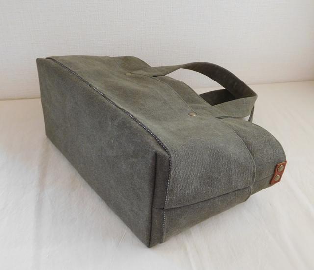 ピクニックトートバッグ カーキグリーン 底板付き