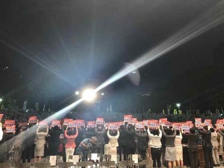 日比谷公園抗議集会3