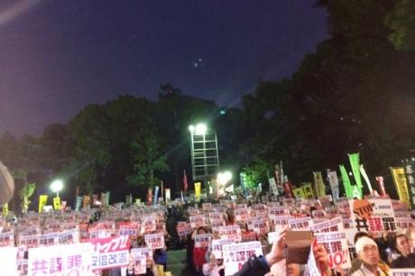 日比谷公園抗議集会