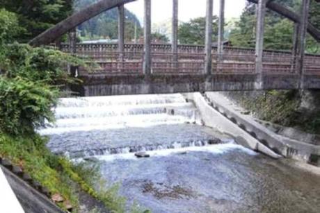 妻籠の川蘭川(あららぎがわ)