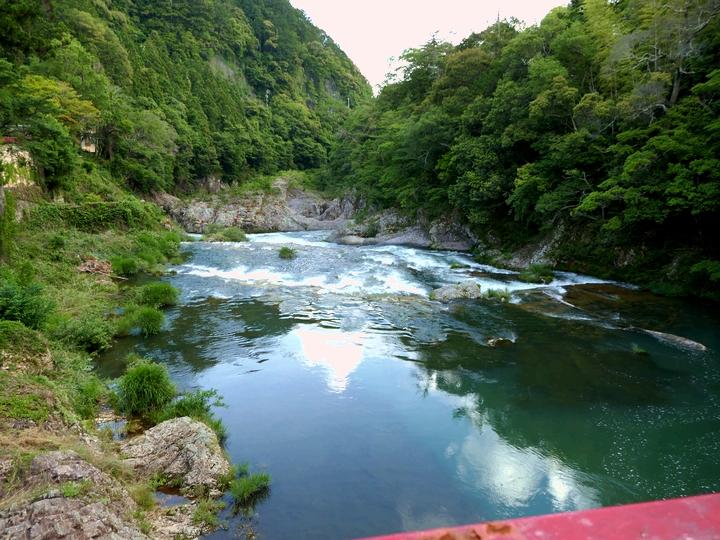宇連川 下流側 つり橋から 2017 6 13 湯谷温泉 P1000141
