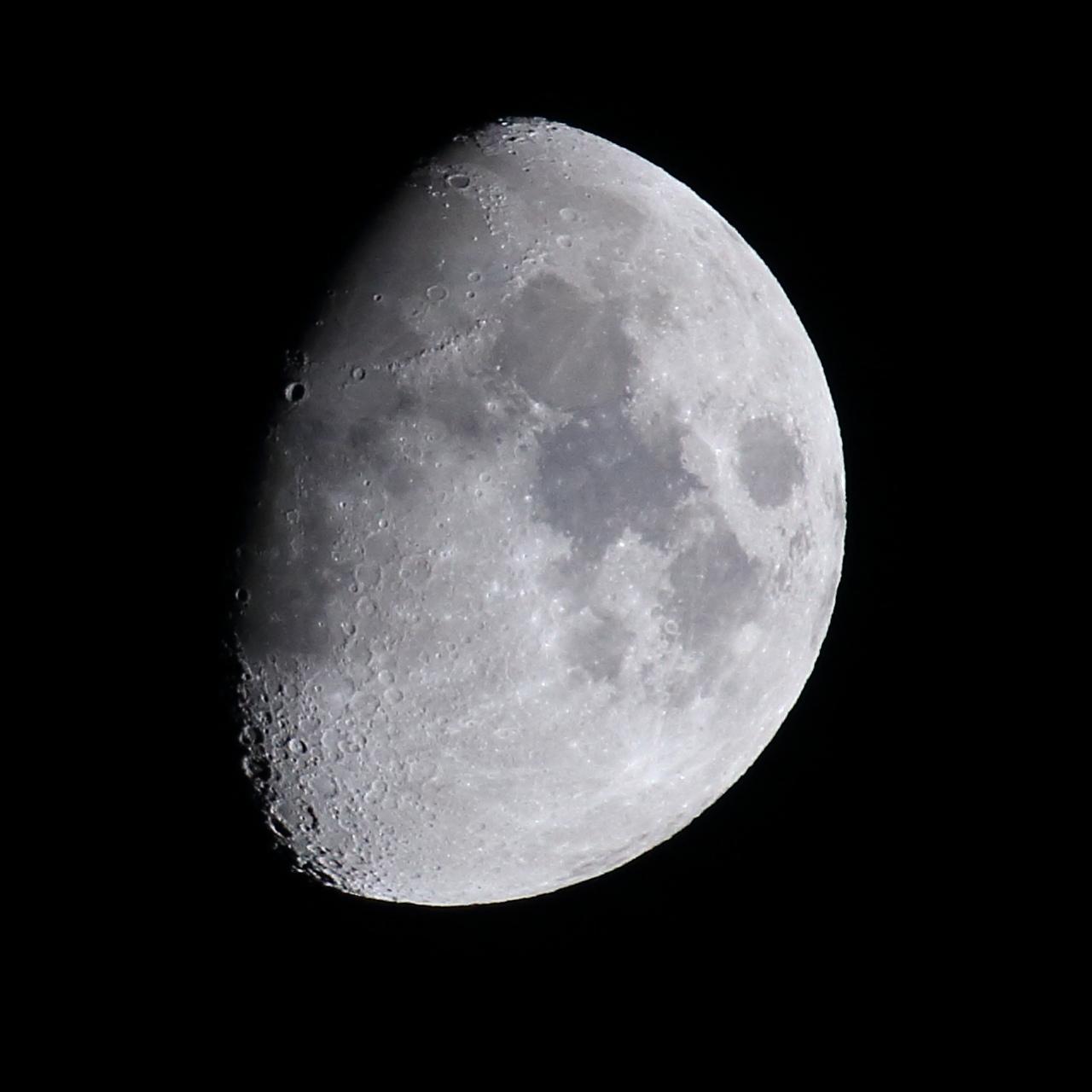 moon0505.jpg