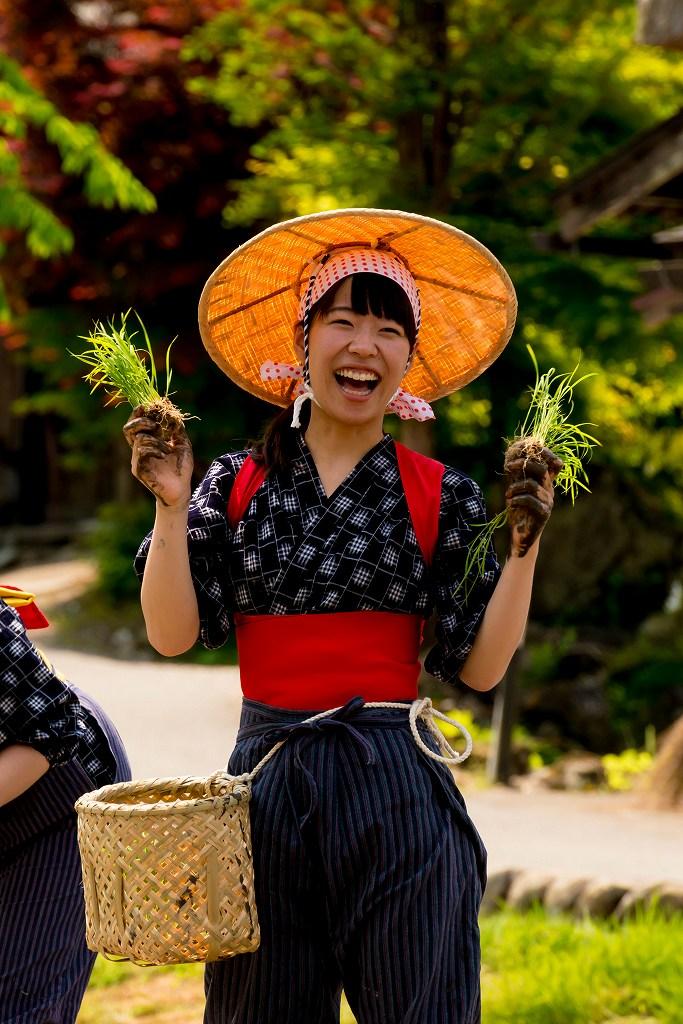 2017.05.29白川郷の田植え祭り16