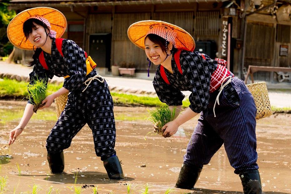 2017.05.29白川郷の田植え祭り8