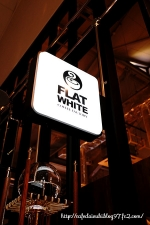 FLATWHITE COFFEE FACTORY 三春◇看板