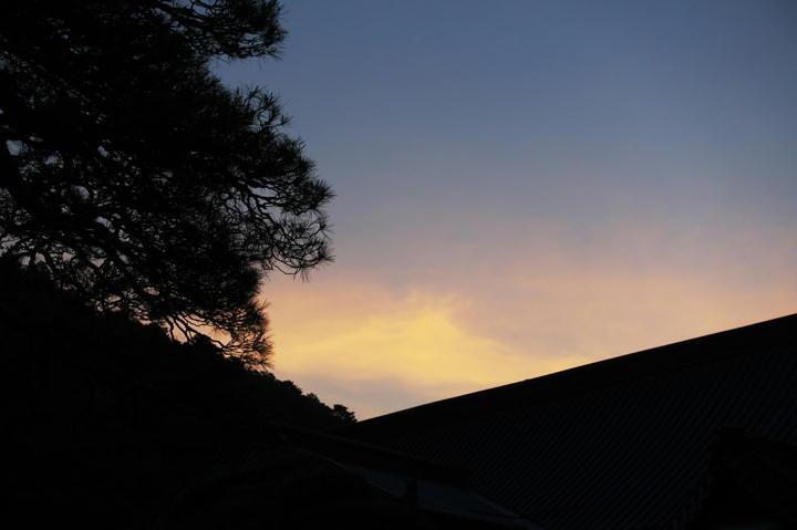 身延山の夜明け-993