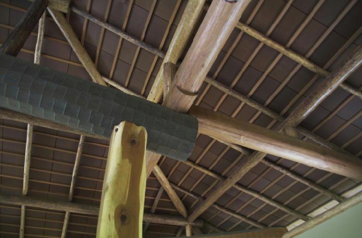 東屋の天井-829