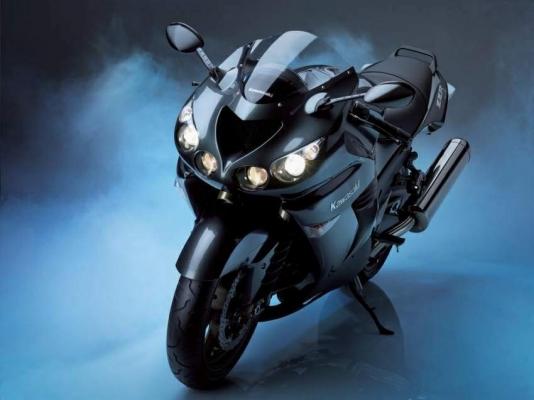 Kawasaki ZZR1400 06 1