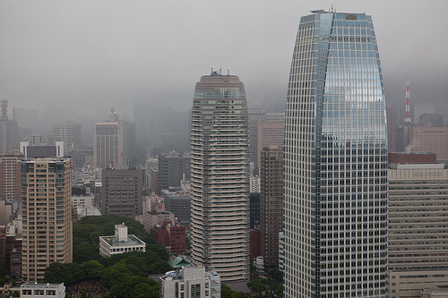 Tokyo_from_the_clouds_(3791802710).jpg